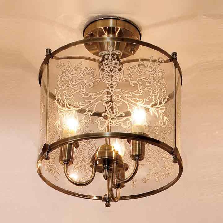Потолочная люстра накладная CL408233 Citiluxнакладные<br>CL408233 Светильник на штанге Версаль CL408233. Бренд - Citilux. материал плафона - стекло. цвет плафона - прозрачный. тип цоколя - E14. тип лампы - накаливания или LED. ширина/диаметр - 370. мощность - 60. количество ламп - 3.<br><br>популярные производители: Citilux<br>материал плафона: стекло<br>цвет плафона: прозрачный<br>тип цоколя: E14<br>тип лампы: накаливания или LED<br>ширина/диаметр: 370<br>максимальная мощность лампочки: 60<br>количество лампочек: 3