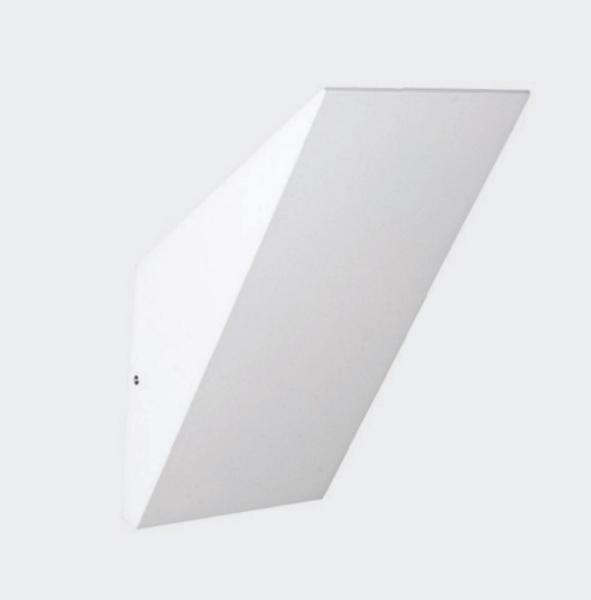 Точечный светильник DL18404/11WW-White Donoluxнакладные<br>Donolux Светильник светодиодный, накладной,1 х 6,6Вт 350 мА, IP54 ,196х125,5х100 мм, Белый+ист.питан. Бренд - Donolux. тип лампы - LED. ширина/диаметр - 125. мощность - 6.5. количество ламп - 1.<br><br>популярные производители: Donolux<br>тип лампы: LED<br>ширина/диаметр: 125<br>максимальная мощность лампочки: 6.5<br>количество лампочек: 1