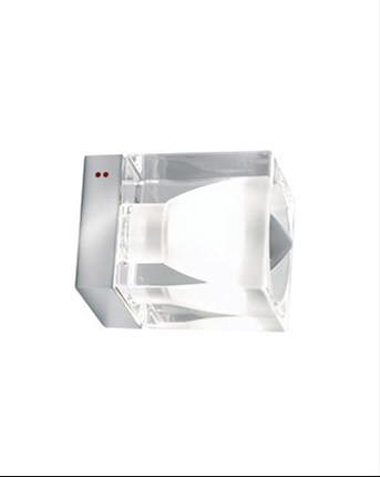 Бра D28G01 00 FabbianНастенные и бра<br>Fabbian Светильник настенно-потолочный Cubetto 1х 60W/E14 прозрачное стекло, блест хром. Бренд - Fabbian. материал плафона - стекло. цвет плафона - прозрачный. тип цоколя - E14. тип лампы - накаливания или LED. ширина/диаметр - 80. мощность - 40. количество ламп - 1.<br><br>популярные производители: Fabbian<br>материал плафона: стекло<br>цвет плафона: прозрачный<br>тип цоколя: E14<br>тип лампы: накаливания или LED<br>ширина/диаметр: 80<br>максимальная мощность лампочки: 40<br>количество лампочек: 1