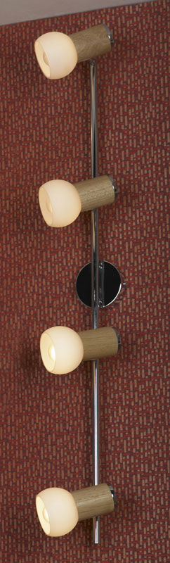 спот LSN-6009-04 LussoleСпоты<br>LSN-6009-04. Бренд - Lussole. материал плафона - стекло. цвет плафона - белый. тип цоколя - E14. тип лампы - накаливания или LED. ширина/диаметр - 140. мощность - 40. количество ламп - 4.<br><br>популярные производители: Lussole<br>материал плафона: стекло<br>цвет плафона: белый<br>тип цоколя: E14<br>тип лампы: накаливания или LED<br>ширина/диаметр: 140<br>максимальная мощность лампочки: 40<br>количество лампочек: 4