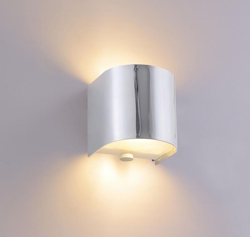 Бра CLT 430W CH Crystal LuxНастенные и бра<br>CLT 430W CH. Бренд - Crystal Lux. материал плафона - металл. цвет плафона - хром. тип цоколя - G9. тип лампы - галогеновая или LED. ширина/диаметр - 90. мощность - 40. количество ламп - 1.<br><br>популярные производители: Crystal Lux<br>материал плафона: металл<br>цвет плафона: хром<br>тип цоколя: G9<br>тип лампы: галогеновая или LED<br>ширина/диаметр: 90<br>максимальная мощность лампочки: 40<br>количество лампочек: 1