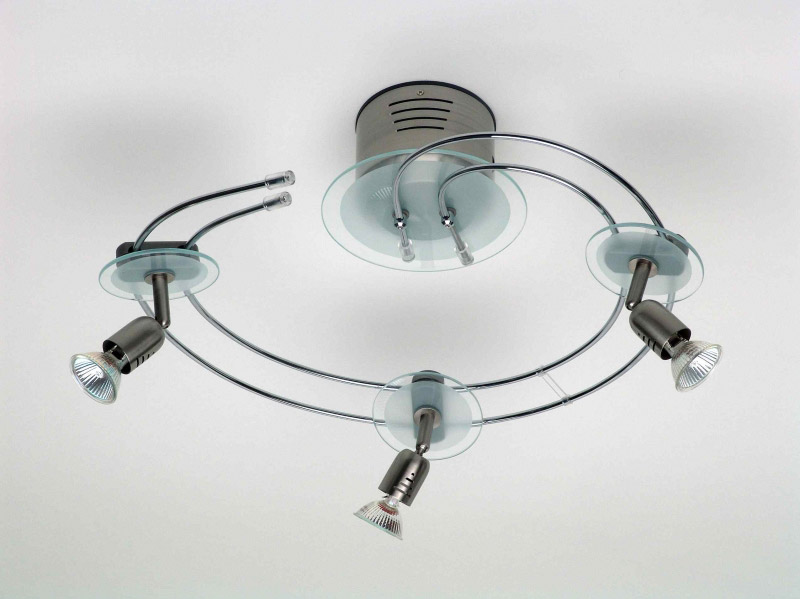 спот G14433_13 BrilliantСпоты<br>G14433_13 Лампа потолочная Kos Glas, три плафона на спиральной основе, металл/стекло, 230V, GY 5,3, мат.хром G14433/13. Бренд - Brilliant. материал плафона - стекло. цвет плафона - прозрачный. тип цоколя - GU5.3. тип лампы - галогеновая или LED. ширина/диаметр - 460. мощность - 35. количество ламп - 3.<br><br>популярные производители: Brilliant<br>материал плафона: стекло<br>цвет плафона: прозрачный<br>тип цоколя: GU5.3<br>тип лампы: галогеновая или LED<br>ширина/диаметр: 460<br>максимальная мощность лампочки: 35<br>количество лампочек: 3