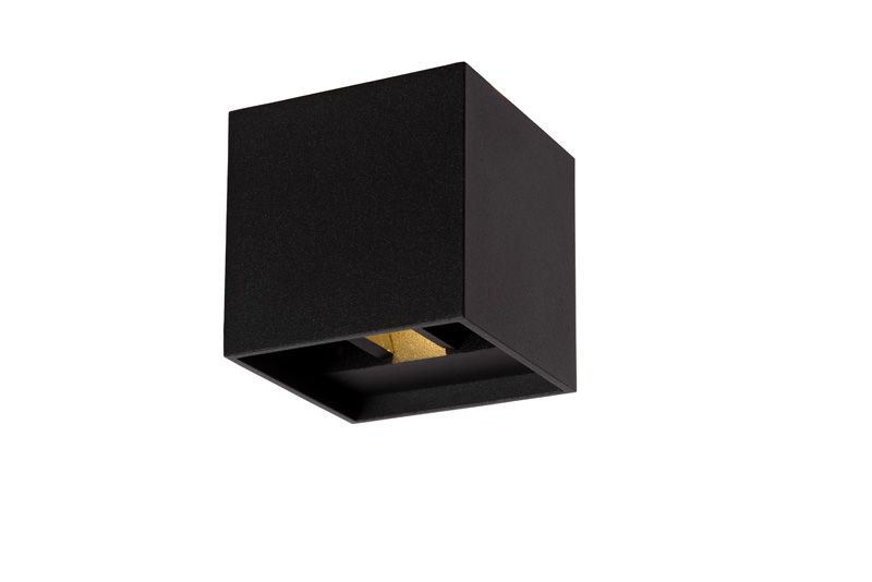 Бра 17293/02/30 LUCIDEНастенные и бра<br>XIA Wall Light IP54 LED 2W 8/8/8cm Black. Бренд - LUCIDE. материал плафона - металл. цвет плафона - черный. тип лампы - LED. ширина/диаметр - 80. мощность - 1. количество ламп - 2.<br><br>популярные производители: LUCIDE<br>материал плафона: металл<br>цвет плафона: черный<br>тип лампы: LED<br>ширина/диаметр: 80<br>максимальная мощность лампочки: 1<br>количество лампочек: 2