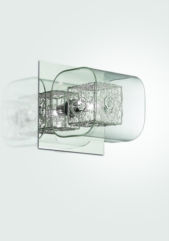 Бра 2006/1W Odeon LightНастенные и бра<br>2006/1W ODL11 529 хром Бра  G9 40W 220V FORTA. Бренд - Odeon Light. материал плафона - стекло. цвет плафона - прозрачный. тип цоколя - G9. тип лампы - галогеновая или LED. ширина/диаметр - 150. мощность - 40. количество ламп - 1.<br><br>популярные производители: Odeon Light<br>материал плафона: стекло<br>цвет плафона: прозрачный<br>тип цоколя: G9<br>тип лампы: галогеновая или LED<br>ширина/диаметр: 150<br>максимальная мощность лампочки: 40<br>количество лампочек: 1