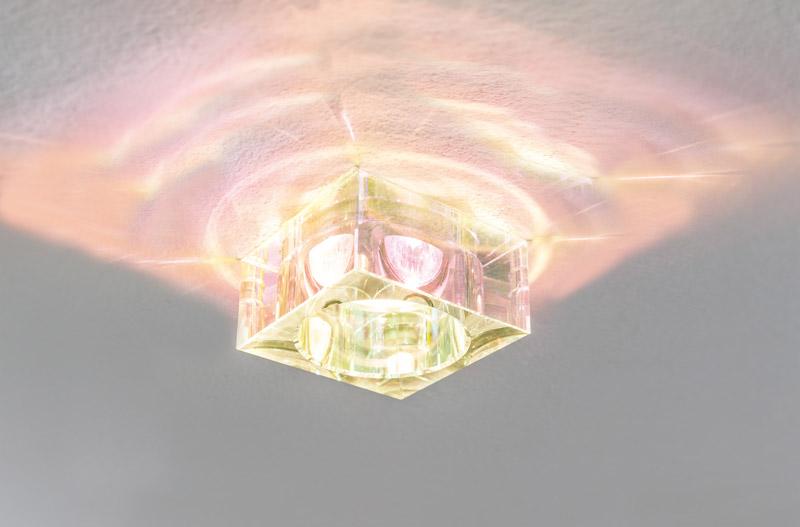 Точечный светильник 92618встраиваемые<br>2Easy Prem EBL 3er Spot Cristal st Dichr. Бренд - Paulmann. тип лампы - LED. количество ламп - 1. мощность лампы - 35. цвет арматуры - хром матовый. цвет плафона - прозрачный. материал арматуры - металл. материал плафона - стекло. высота - 40. ширина/диаметр - 80. длина - 80. степень защиты ip - 23. форма - квадрат. стиль - хай-тек. страна происхождения - Германия. монтажное отверстие - 68. коллекция - PAULMANN 9261. напряжение - 220.<br><br>Бренд: Paulmann<br>тип лампы: LED<br>количество ламп: 1<br>мощность лампы: 35<br>цвет арматуры: хром матовый<br>цвет плафона: прозрачный<br>материал арматуры: металл<br>материал плафона: стекло<br>высота: 40<br>ширина/диаметр: 80<br>длина: 80<br>степень защиты ip: 23<br>форма: квадрат<br>стиль: хай-тек<br>страна происхождения: Германия<br>монтажное отверстие: 68<br>коллекция: PAULMANN 9261<br>напряжение: 220