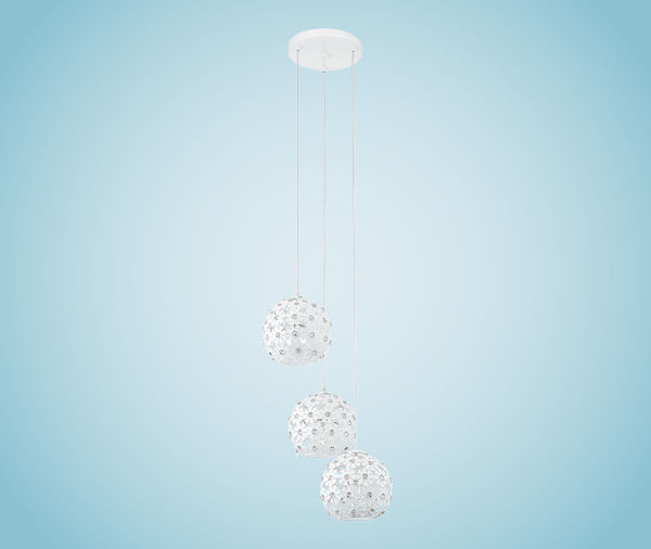 Подвесной  потолочный светильник 92285 EGLOподвесные<br>Светильник настенно-потолочный HANIFA, 3X60W (E27), ?330, сталь, белый. Бренд - EGLO. материал плафона - стекло. цвет плафона - белый. тип цоколя - E27. тип лампы - накаливания или LED. ширина/диаметр - 330. мощность - 60. количество ламп - 3.<br><br>популярные производители: EGLO<br>материал плафона: стекло<br>цвет плафона: белый<br>тип цоколя: E27<br>тип лампы: накаливания или LED<br>ширина/диаметр: 330<br>максимальная мощность лампочки: 60<br>количество лампочек: 3