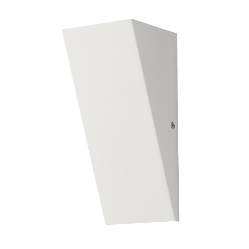 Светильник настенный 94851 EGLOНастенные<br>Уличный светодиодный светильник настенный ZAMORANA, 1х2,5W (LED), 65х165, IP44, сталь, белый. Бренд - EGLO. материал плафона - металл. цвет плафона - белый. тип лампы - LED. ширина/диаметр - 95. мощность - 3.7. количество ламп - 1.<br><br>популярные производители: EGLO<br>материал плафона: металл<br>цвет плафона: белый<br>тип лампы: LED<br>ширина/диаметр: 95<br>максимальная мощность лампочки: 3.7<br>количество лампочек: 1
