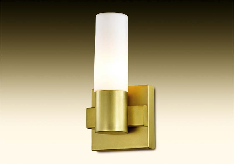 Бра 2719/1W  Odeon LightНастенные и бра<br>2719/1W ODL15 149 мат.зол/стекло Бра E14 40W 220V LORITA. Бренд - Odeon Light. материал плафона - стекло. цвет плафона - белый. тип цоколя - E14. тип лампы - накаливания или LED. ширина/диаметр - 120. мощность - 40. количество ламп - 1.<br><br>популярные производители: Odeon Light<br>материал плафона: стекло<br>цвет плафона: белый<br>тип цоколя: E14<br>тип лампы: накаливания или LED<br>ширина/диаметр: 120<br>максимальная мощность лампочки: 40<br>количество лампочек: 1