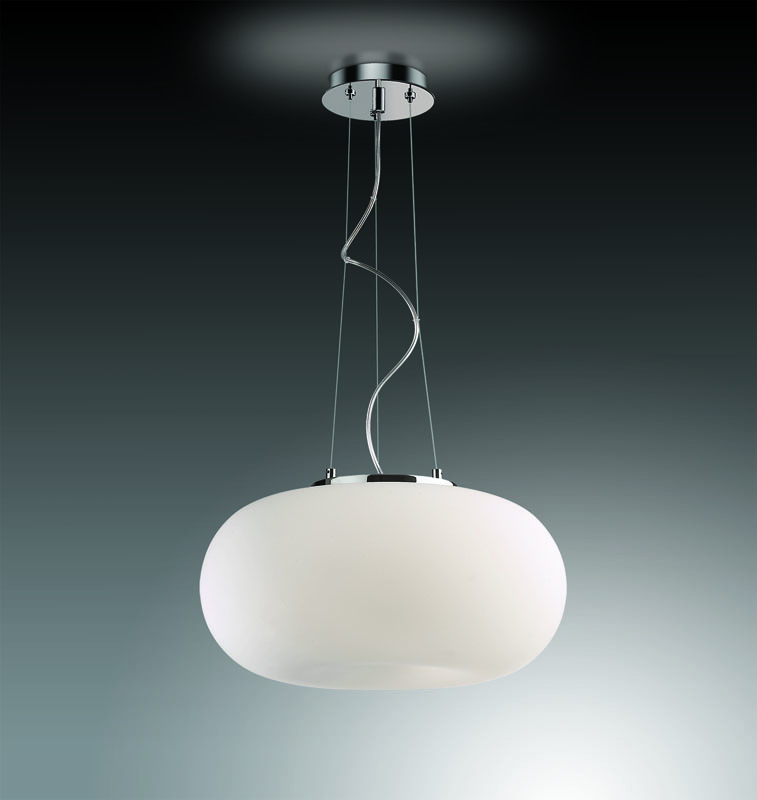 Подвесной  потолочный светильник 2205/3B Odeon Lightподвесные<br>2205/3B ODL12 306 хром Подвес  E27 3*60W 220V PATI. Бренд - Odeon Light. материал плафона - стекло. цвет плафона - белый. тип цоколя - E27. тип лампы - галогеновая или LED. ширина/диаметр - 450. мощность - 60. количество ламп - 3.<br><br>популярные производители: Odeon Light<br>материал плафона: стекло<br>цвет плафона: белый<br>тип цоколя: E27<br>тип лампы: галогеновая или LED<br>ширина/диаметр: 450<br>максимальная мощность лампочки: 60<br>количество лампочек: 3