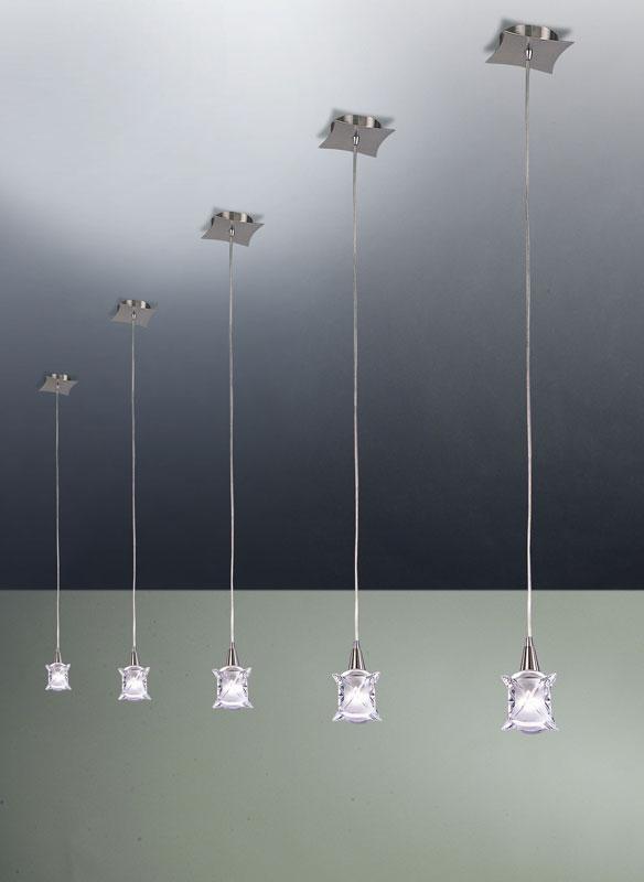 Подвесной  потолочный светильник 0048 Mantraподвесные<br>PENDANT 1 LIGHT (Adjutstable). Бренд - Mantra. материал плафона - стекло. цвет плафона - прозрачный. тип цоколя - G9. тип лампы - галогеновая или LED. ширина/диаметр - 140. мощность - 40. количество ламп - 1.<br><br>популярные производители: Mantra<br>материал плафона: стекло<br>цвет плафона: прозрачный<br>тип цоколя: G9<br>тип лампы: галогеновая или LED<br>ширина/диаметр: 140<br>максимальная мощность лампочки: 40<br>количество лампочек: 1