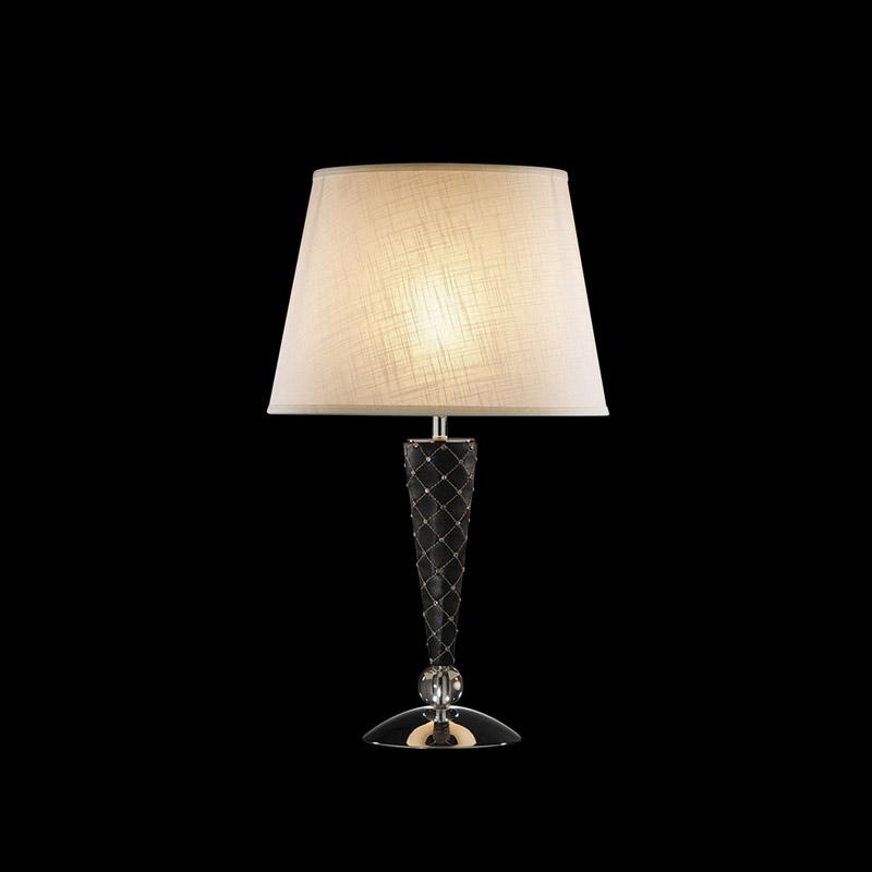 Настольная лампа 870927 LightstarНастольные лампы<br>870927 (PD1257-1) Настольная лампа GRAZIA 1х60W E27 КОЖА/ЧЕРНЫЙ/ХРОМ. Бренд - Lightstar. материал плафона - ткань. цвет плафона - белый. тип цоколя - E27. тип лампы - накаливания или LED. ширина/диаметр - 380. мощность - 60. количество ламп - 1.<br><br>популярные производители: Lightstar<br>материал плафона: ткань<br>цвет плафона: белый<br>тип цоколя: E27<br>тип лампы: накаливания или LED<br>ширина/диаметр: 380<br>максимальная мощность лампочки: 60<br>количество лампочек: 1