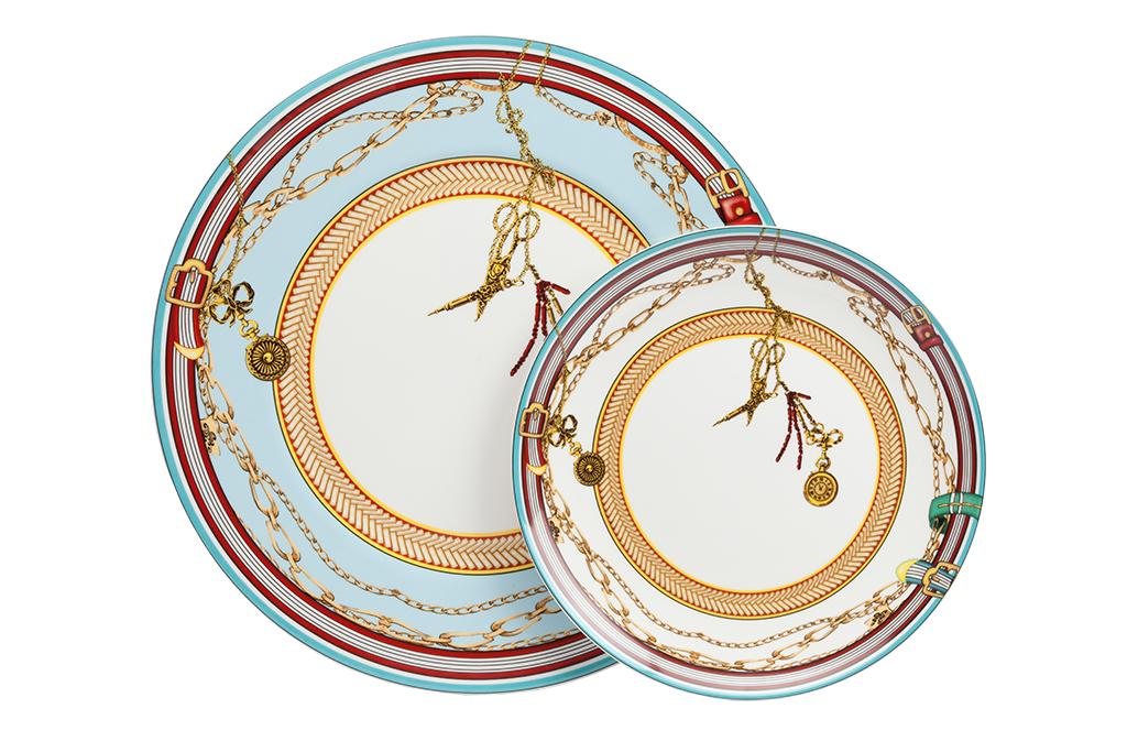Комплект тарелок Veluche DG-HOMEСервизы и наборы посуды<br>. Бренд - DG-HOME. ширина/диаметр - 305. материал - Костяной фарфор. цвет - голубой.<br><br>популярные производители: DG-HOME<br>ширина/диаметр: 305<br>материал: Костяной фарфор<br>цвет: голубой