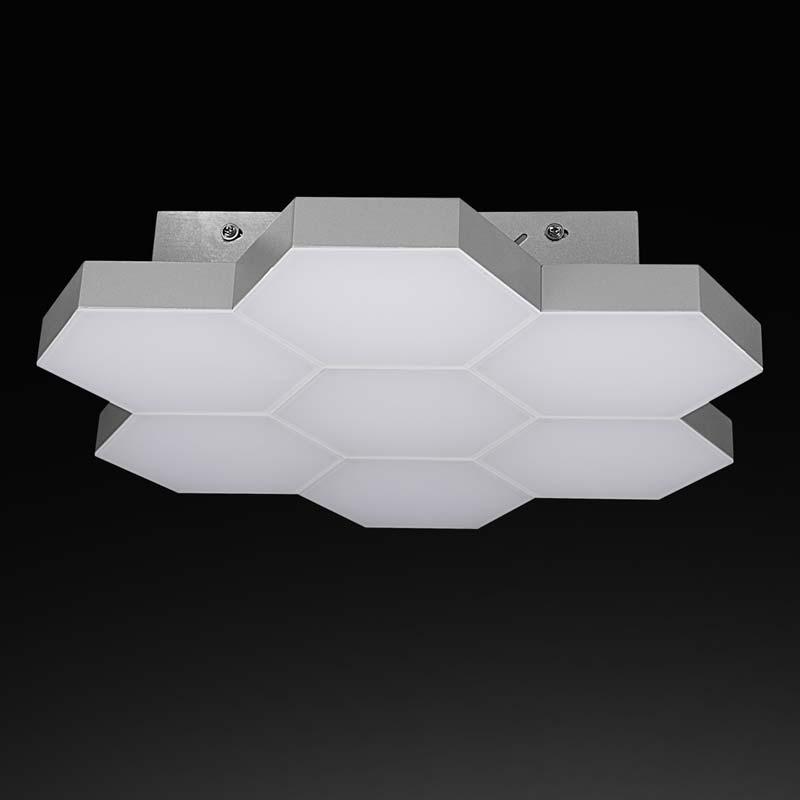 Потолочная люстра накладная 750074 Lightstarнакладные<br>750074 (MX13003032-7А) Люстра FAVO LED-35W Silver 750074. Бренд - Lightstar. материал плафона - стекло. цвет плафона - белый. тип лампы - LED. ширина/диаметр - 380. мощность - 35. количество ламп - 1. особенности - Дизайнерская люстра накладная.<br><br>популярные производители: Lightstar<br>материал плафона: стекло<br>цвет плафона: белый<br>тип лампы: LED<br>ширина/диаметр: 380<br>максимальная мощность лампочки: 35<br>количество лампочек: 1<br>особенности: Дизайнерская люстра накладная