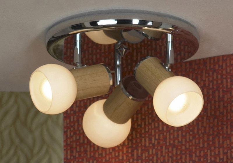 спот LSN-6007-03 LussoleСпоты<br>LSN-6007-03. Бренд - Lussole. материал плафона - стекло. цвет плафона - белый. тип цоколя - E14. тип лампы - накаливания или LED. ширина/диаметр - 260. мощность - 40. количество ламп - 3.<br><br>популярные производители: Lussole<br>материал плафона: стекло<br>цвет плафона: белый<br>тип цоколя: E14<br>тип лампы: накаливания или LED<br>ширина/диаметр: 260<br>максимальная мощность лампочки: 40<br>количество лампочек: 3