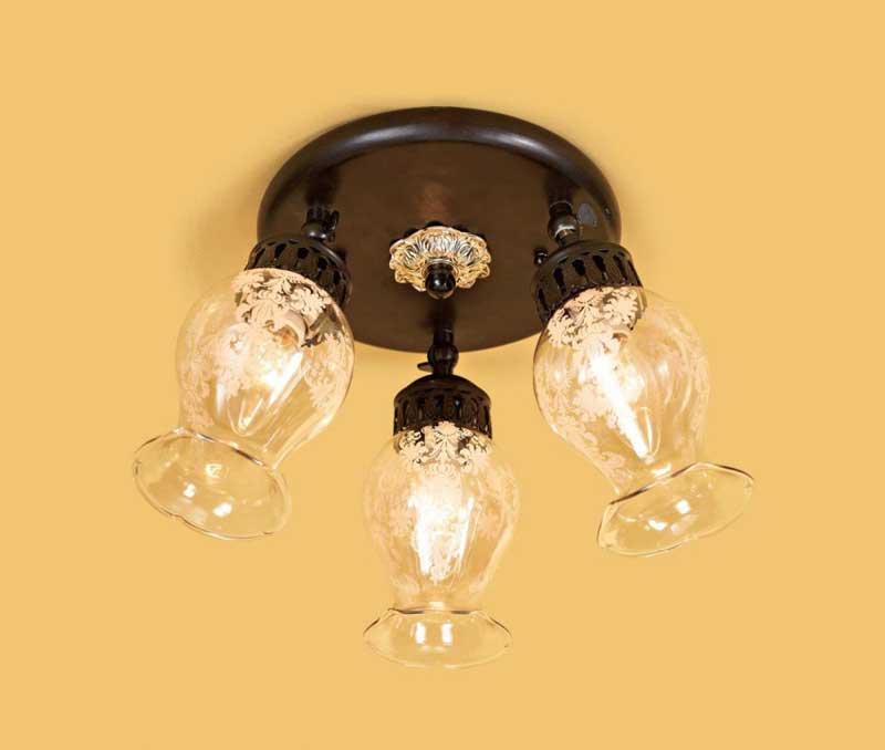 спот CL413131 CitiluxСпоты<br>CL413131 Спот Метафора CL413131. Бренд - Citilux. материал плафона - стекло. цвет плафона - прозрачный. тип цоколя - E14. тип лампы - накаливания или LED. ширина/диаметр - 250. мощность - 60. количество ламп - 3.<br><br>популярные производители: Citilux<br>материал плафона: стекло<br>цвет плафона: прозрачный<br>тип цоколя: E14<br>тип лампы: накаливания или LED<br>ширина/диаметр: 250<br>максимальная мощность лампочки: 60<br>количество лампочек: 3