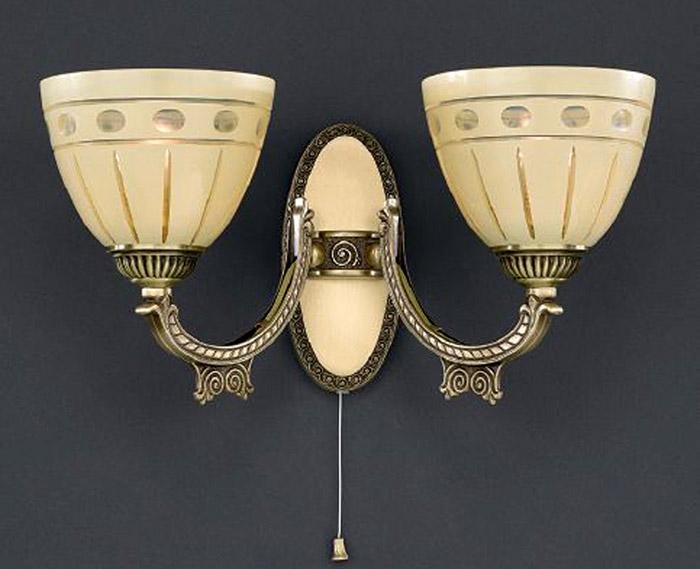 Бра A 7054/2 Reccagni AngeloНастенные и бра<br>A 7054/2. Бренд - Reccagni Angelo. материал плафона - стекло. цвет плафона - бежевый. тип цоколя - E27. тип лампы - накаливания или LED. ширина/диаметр - 360. мощность - 60. количество ламп - 2.<br><br>популярные производители: Reccagni Angelo<br>материал плафона: стекло<br>цвет плафона: бежевый<br>тип цоколя: E27<br>тип лампы: накаливания или LED<br>ширина/диаметр: 360<br>максимальная мощность лампочки: 60<br>количество лампочек: 2