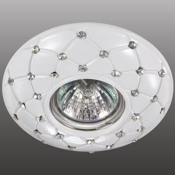 Точечный светильник 370129  Novotechвстраиваемые<br>370129 NT15 090 белый Встраиваемый  IP20 GX5.3 50W 12V PATTERN. Бренд - Novotech. материал плафона - металл. цвет плафона - белый. тип цоколя - GX5.3. тип лампы - галогеновая или LED. ширина/диаметр - 115. мощность - 50. количество ламп - 1.<br><br>популярные производители: Novotech<br>материал плафона: металл<br>цвет плафона: белый<br>тип цоколя: GX5.3<br>тип лампы: галогеновая или LED<br>ширина/диаметр: 115<br>максимальная мощность лампочки: 50<br>количество лампочек: 1