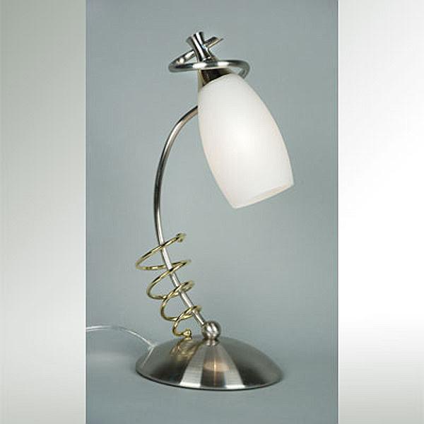 Настольная лампа CL120811 CitiluxНастольные лампы<br>CL120811 Настольная лампа декоративная Каролина CL120811. Бренд - Citilux. материал плафона - стекло. цвет плафона - белый. тип цоколя - E14. тип лампы - накаливания или LED. ширина/диаметр - 150. мощность - 60. количество ламп - 1.<br><br>популярные производители: Citilux<br>материал плафона: стекло<br>цвет плафона: белый<br>тип цоколя: E14<br>тип лампы: накаливания или LED<br>ширина/диаметр: 150<br>максимальная мощность лампочки: 60<br>количество лампочек: 1