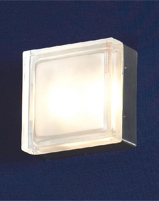 Бра LSA-8101-02 LussoleНастенные и бра<br>LSA-8101-02. Бренд - Lussole. материал плафона - стекло. цвет плафона - прозрачный. тип цоколя - G9. тип лампы - галогеновая или LED. ширина/диаметр - 140. мощность - 40. количество ламп - 2.<br><br>популярные производители: Lussole<br>материал плафона: стекло<br>цвет плафона: прозрачный<br>тип цоколя: G9<br>тип лампы: галогеновая или LED<br>ширина/диаметр: 140<br>максимальная мощность лампочки: 40<br>количество лампочек: 2