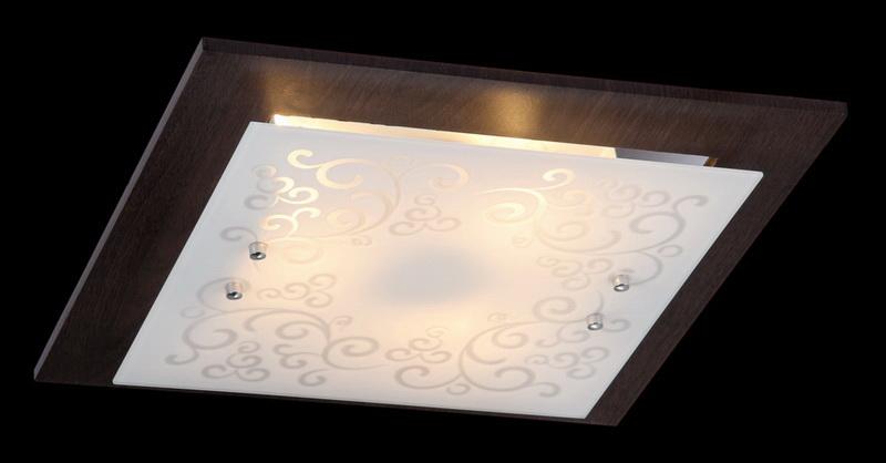Накладной потолочный светильник CL811-03-R Maytoniнакладные<br>CL811-03-R. Бренд - Maytoni. материал плафона - стекло. цвет плафона - белый. тип цоколя - E27. тип лампы - накаливания или LED. ширина/диаметр - 400. мощность - 60. количество ламп - 3.<br><br>популярные производители: Maytoni<br>материал плафона: стекло<br>цвет плафона: белый<br>тип цоколя: E27<br>тип лампы: накаливания или LED<br>ширина/диаметр: 400<br>максимальная мощность лампочки: 60<br>количество лампочек: 3
