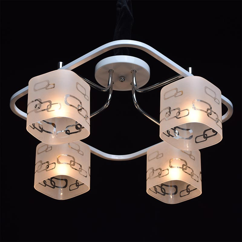 Потолочная люстра накладная 673010304 DeMarktнакладные<br>673010304. Бренд - DeMarkt. материал плафона - стекло. цвет плафона - белый. тип цоколя - E14. тип лампы - накаливания или LED. ширина/диаметр - 530. мощность - 60. количество ламп - 4.<br><br>популярные производители: DeMarkt<br>материал плафона: стекло<br>цвет плафона: белый<br>тип цоколя: E14<br>тип лампы: накаливания или LED<br>ширина/диаметр: 530<br>максимальная мощность лампочки: 60<br>количество лампочек: 4