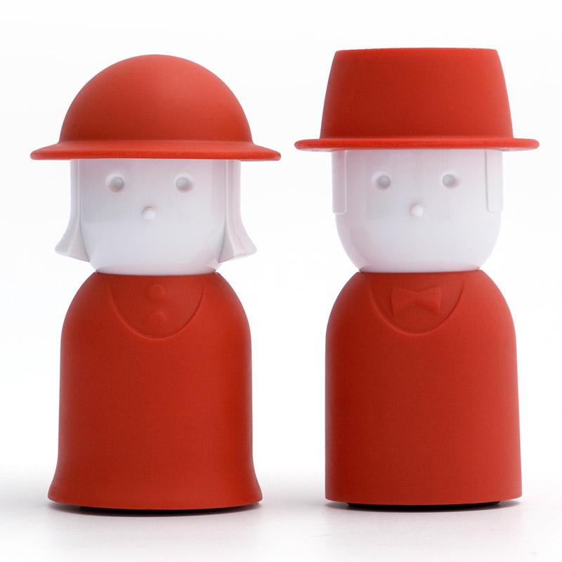 Солонка+перечница mr.pepper &amp; mrs. salt красный Fine DesignМелочи для кухни<br>. Бренд - Fine Design. материал - пищевой пластик.<br><br>популярные производители: Fine Design<br>материал: пищевой пластик