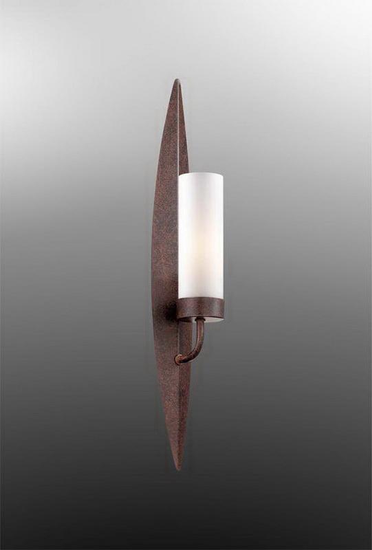 Бра 2657/1W Odeon LightНастенные и бра<br>2657/1W ODL14 771 коричн/белый Бра  E14 60W 220V Sens. Бренд - Odeon Light. материал плафона - стекло. цвет плафона - белый. тип цоколя - E14. тип лампы - накаливания или LED. ширина/диаметр - 70. мощность - 60. количество ламп - 1.<br><br>популярные производители: Odeon Light<br>материал плафона: стекло<br>цвет плафона: белый<br>тип цоколя: E14<br>тип лампы: накаливания или LED<br>ширина/диаметр: 70<br>максимальная мощность лампочки: 60<br>количество лампочек: 1