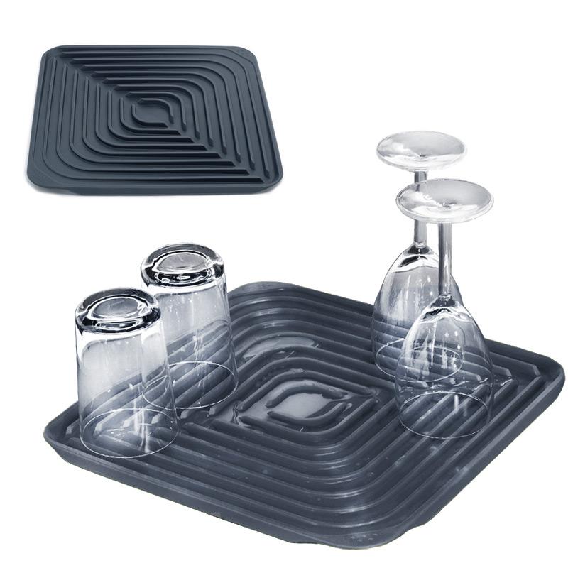 Коврик для сушки посуды flume™ серый Fine DesignХранение и порядок<br>. Бренд - Fine Design. материал - резина.<br><br>популярные производители: Fine Design<br>материал: резина