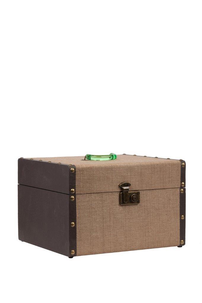 Декоративный чемодан для хранения Pompadour DG-HOMEДекоративные предметы хранения<br>. Бренд - DG-HOME. ширина/диаметр - 440. материал - МДФ, Ткань. цвет - Песочный, темно-коричневый.<br><br>популярные производители: DG-HOME<br>ширина/диаметр: 440<br>материал: МДФ, Ткань<br>цвет: Песочный, темно-коричневый