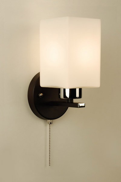 Бра CL123311 CitiluxНастенные и бра<br>CL123311 Бра Маркус CL123311. Бренд - Citilux. материал плафона - стекло. цвет плафона - белый. тип цоколя - E27. тип лампы - накаливания или LED. ширина/диаметр - 140. мощность - 75. количество ламп - 1.<br><br>популярные производители: Citilux<br>материал плафона: стекло<br>цвет плафона: белый<br>тип цоколя: E27<br>тип лампы: накаливания или LED<br>ширина/диаметр: 140<br>максимальная мощность лампочки: 75<br>количество лампочек: 1