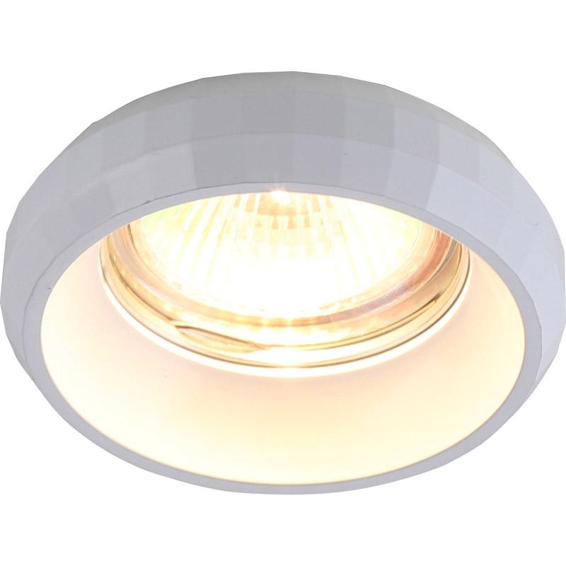 Точечный светильник 1737/03 PL-1 Divinareвстраиваемые<br>1737/03 PL-1. Бренд - Divinare. материал плафона - алюминий. цвет плафона - белый. тип цоколя - GU5.3. тип лампы - галогеновая или LED. ширина/диаметр - 80. мощность - 50. количество ламп - 1.<br><br>популярные производители: Divinare<br>материал плафона: алюминий<br>цвет плафона: белый<br>тип цоколя: GU5.3<br>тип лампы: галогеновая или LED<br>ширина/диаметр: 80<br>максимальная мощность лампочки: 50<br>количество лампочек: 1