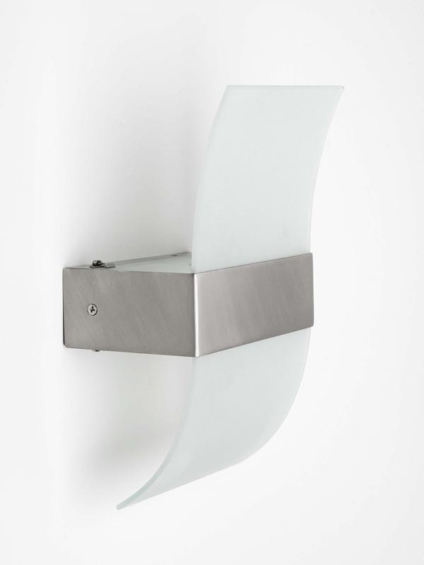 Бра G90270_13 BrilliantНастенные и бра<br>G90270_13 Накладной светильник Amrum G90270_13. Бренд - Brilliant. материал плафона - стекло. цвет плафона - белый. тип цоколя - R7s. тип лампы - галогеновая или LED. ширина/диаметр - 100. мощность - 150. количество ламп - 1.<br><br>популярные производители: Brilliant<br>материал плафона: стекло<br>цвет плафона: белый<br>тип цоколя: R7s<br>тип лампы: галогеновая или LED<br>ширина/диаметр: 100<br>максимальная мощность лампочки: 150<br>количество лампочек: 1