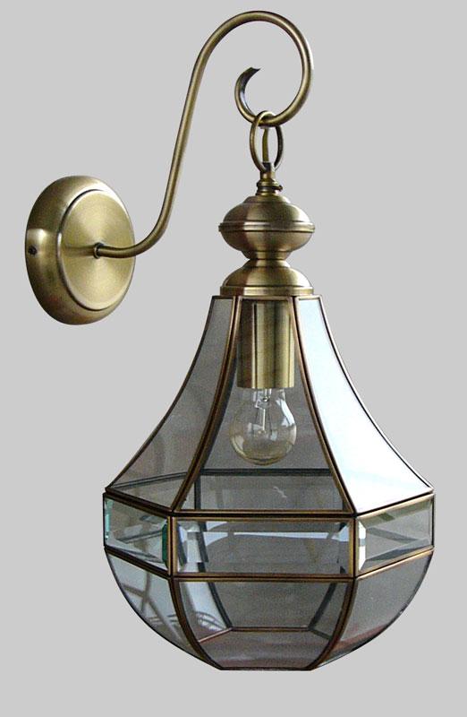 Бра CL444310Настенные и бра<br>CL444310 Гера-1 Св-к Бра. Бренд - Citilux. тип лампы - накаливания или LED. количество ламп - 1. тип цоколя - E27. мощность лампы - 75. цвет арматуры - бронзовый. цвет плафона - прозрачный. материал арматуры - металл. материал плафона - стекло. степень защиты ip - 20. форма - круг. стиль - кантри. страна происхождения - Дания. коллекция - Гера. напряжение - 220.<br><br>Бренд: Citilux<br>тип лампы: накаливания или LED<br>количество ламп: 1<br>тип цоколя: E27<br>мощность лампы: 75<br>цвет арматуры: бронзовый<br>цвет плафона: прозрачный<br>материал арматуры: металл<br>материал плафона: стекло<br>степень защиты ip: 20<br>форма: круг<br>стиль: кантри<br>страна происхождения: Дания<br>коллекция: Гера<br>напряжение: 220