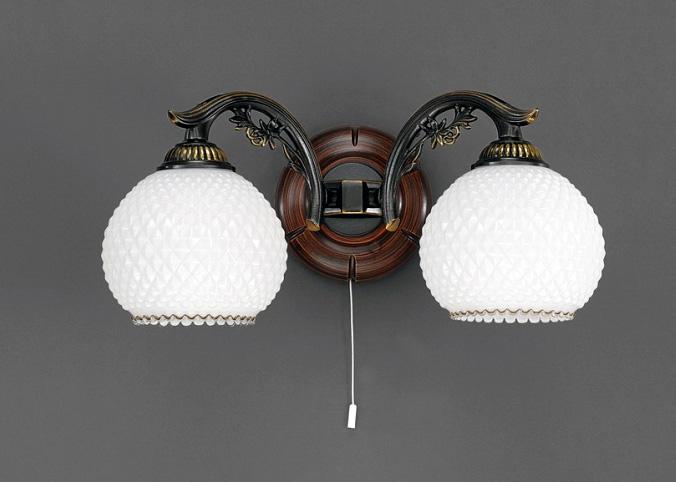 Бра A 8610/2 Reccagni AngeloНастенные и бра<br>A 8610/2. Бренд - Reccagni Angelo. материал плафона - стекло. цвет плафона - белый. тип цоколя - E27. тип лампы - накаливания или LED. ширина/диаметр - 390. мощность - 60. количество ламп - 2.<br><br>популярные производители: Reccagni Angelo<br>материал плафона: стекло<br>цвет плафона: белый<br>тип цоколя: E27<br>тип лампы: накаливания или LED<br>ширина/диаметр: 390<br>максимальная мощность лампочки: 60<br>количество лампочек: 2