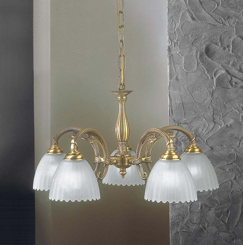 Потолочная люстра подвесная L 3520/5 Reccagni Angeloподвесные<br>L 3520/5. Бренд - Reccagni Angelo. материал плафона - стекло. цвет плафона - белый. тип цоколя - E27. тип лампы - накаливания или LED. ширина/диаметр - 520. мощность - 60. количество ламп - 5.<br><br>популярные производители: Reccagni Angelo<br>материал плафона: стекло<br>цвет плафона: белый<br>тип цоколя: E27<br>тип лампы: накаливания или LED<br>ширина/диаметр: 520<br>максимальная мощность лампочки: 60<br>количество лампочек: 5