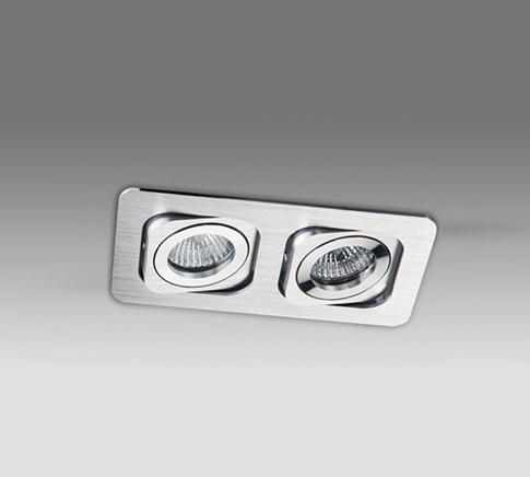 Точечный светильник SAG208-4 SILVER/SILVERвстраиваемые<br>Smart SAG208-4 SILVER/SILVER светильник. Бренд - MEGALIGHT. тип лампы - галогеновая или LED. количество ламп - 2. тип цоколя - GU5.3. мощность лампы - 50. цвет арматуры - хром матовый. цвет плафона - хром. материал арматуры - металл. материал плафона - металл. высота - 60. ширина/диаметр - 98. длина - 181. форма - прямоугольник. стиль - хай-тек. страна происхождения - Китай. напряжение - 12.<br><br>Бренд: MEGALIGHT<br>тип лампы: галогеновая или LED<br>количество ламп: 2<br>тип цоколя: GU5.3<br>мощность лампы: 50<br>цвет арматуры: хром матовый<br>цвет плафона: хром<br>материал арматуры: металл<br>материал плафона: металл<br>высота: 60<br>ширина/диаметр: 98<br>длина: 181<br>форма: прямоугольник<br>стиль: хай-тек<br>страна происхождения: Китай<br>напряжение: 12