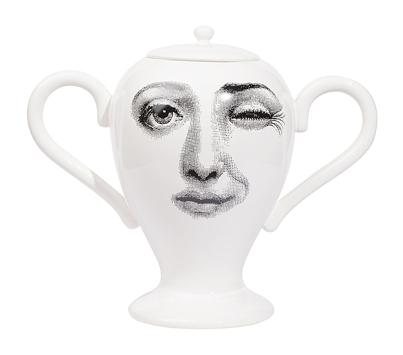 Декоративная ваза с крышкой Пьеро Форназетти Giara Lidded White I DG-HOMEВазы<br>. Бренд - DG-HOME. ширина/диаметр - 460. материал - Фарфор. цвет - Белый, серый.<br><br>популярные производители: DG-HOME<br>ширина/диаметр: 460<br>материал: Фарфор<br>цвет: Белый, серый