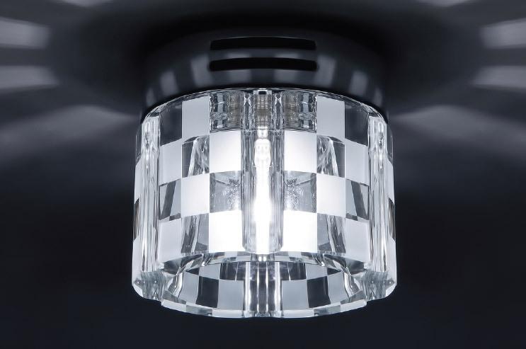 Точечный светильник DL069C-CH/Crystal Donoluxнакладные<br>Donolux Светильник накладной декор. хрустальный, хром D 80 H 70 мм, капс.галог. лампа G9 220V max 60. Бренд - Donolux. материал плафона - хрусталь. цвет плафона - прозрачный. тип цоколя - G9. тип лампы - галогеновая или LED. ширина/диаметр - 80. мощность - 60. количество ламп - 1.<br><br>популярные производители: Donolux<br>материал плафона: хрусталь<br>цвет плафона: прозрачный<br>тип цоколя: G9<br>тип лампы: галогеновая или LED<br>ширина/диаметр: 80<br>максимальная мощность лампочки: 60<br>количество лампочек: 1