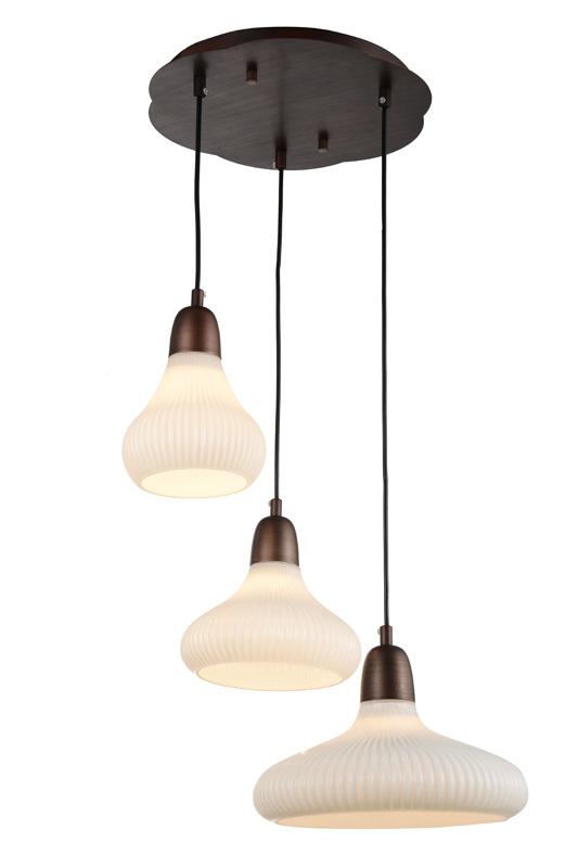Подвесной  потолочный светильник SL712.883.03 ST-Luceподвесные<br>Люстра подвесная. Бренд - ST-Luce. материал плафона - стекло. цвет плафона - белый. тип цоколя - E27. тип лампы - накаливания или LED. ширина/диаметр - 300. мощность - 60. количество ламп - 3.<br><br>популярные производители: ST-Luce<br>материал плафона: стекло<br>цвет плафона: белый<br>тип цоколя: E27<br>тип лампы: накаливания или LED<br>ширина/диаметр: 300<br>максимальная мощность лампочки: 60<br>количество лампочек: 3