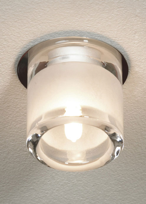 Точечный светильник LSC-6000-01 Lussoleвстраиваемые<br>LSC-6000-01. Бренд - Lussole. материал плафона - хрусталь. цвет плафона - прозрачный. тип цоколя - G9. тип лампы - галогеновая или LED. ширина/диаметр - 80. мощность - 40. количество ламп - 1.<br><br>популярные производители: Lussole<br>материал плафона: хрусталь<br>цвет плафона: прозрачный<br>тип цоколя: G9<br>тип лампы: галогеновая или LED<br>ширина/диаметр: 80<br>максимальная мощность лампочки: 40<br>количество лампочек: 1