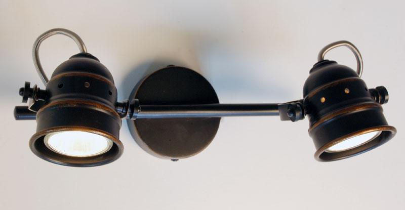 спот CL537521 CitiluxСпоты<br>CL537521 Веймар Св-к Наст.-Потол. Бренд - Citilux. материал плафона - металл. цвет плафона - коричневый. тип цоколя - GU10. тип лампы - галогеновая или LED. ширина/диаметр - 90. мощность - 50. количество ламп - 2.<br><br>популярные производители: Citilux<br>материал плафона: металл<br>цвет плафона: коричневый<br>тип цоколя: GU10<br>тип лампы: галогеновая или LED<br>ширина/диаметр: 90<br>максимальная мощность лампочки: 50<br>количество лампочек: 2