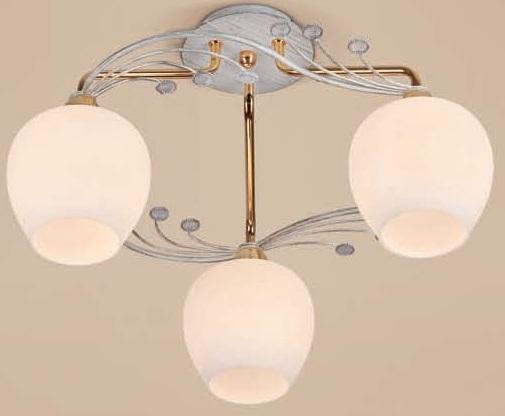 Потолочная люстра накладная CL153132 Citiluxнакладные<br>CL153132 Сюита Золото Люстра. Бренд - Citilux. материал плафона - стекло. цвет плафона - белый. тип цоколя - E14. тип лампы - накаливания или LED. ширина/диаметр - 450. мощность - 60. количество ламп - 3.<br><br>популярные производители: Citilux<br>материал плафона: стекло<br>цвет плафона: белый<br>тип цоколя: E14<br>тип лампы: накаливания или LED<br>ширина/диаметр: 450<br>максимальная мощность лампочки: 60<br>количество лампочек: 3