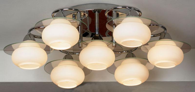 Потолочная люстра накладная LSF-2607-07 Lussoleнакладные<br>LSF-2607-07. Бренд - Lussole. материал плафона - стекло. цвет плафона - белый. тип цоколя - E27. тип лампы - накаливания или LED. ширина/диаметр - 770. мощность - 60. количество ламп - 7.<br><br>популярные производители: Lussole<br>материал плафона: стекло<br>цвет плафона: белый<br>тип цоколя: E27<br>тип лампы: накаливания или LED<br>ширина/диаметр: 770<br>максимальная мощность лампочки: 60<br>количество лампочек: 7